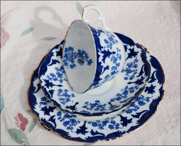 John Chew tea set in the Clyde pattern