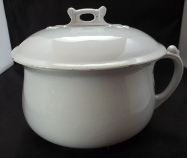 White ironstone chamber pot - Edward Clarke - Burslem