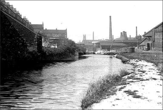 East View and the Mersey Weaver Wharf in the 1930's