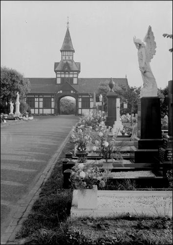 Listed Buildings In Stoke On Trent 88a Longton Cemetery