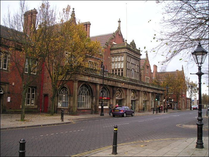 Stoke-on-Trent Railway Station - Winton Square