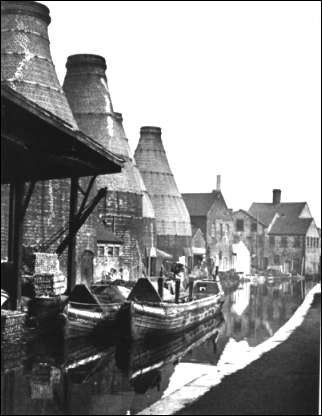 Barges tied up at the J & G Meakin Eastwood Pottery, Hanley. 1952