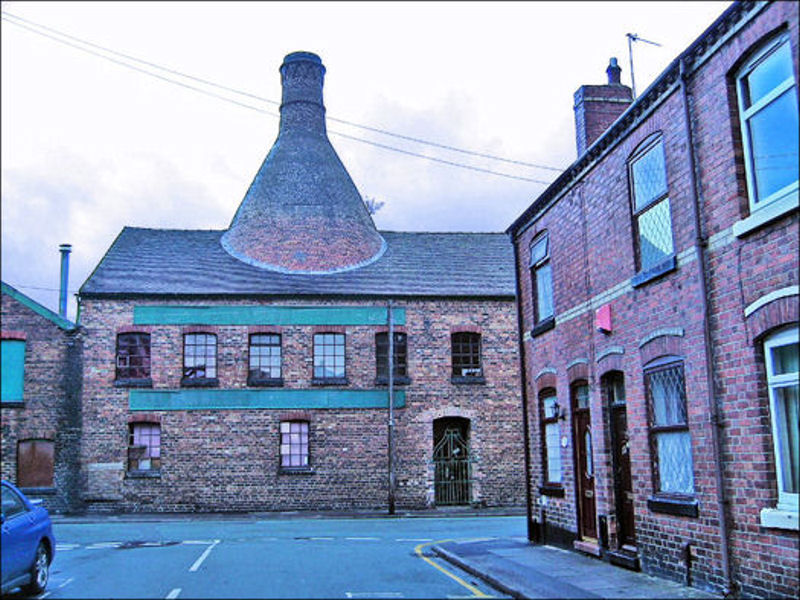 Heron Cross Pottery - looking from Hertford Street into Chilton Street