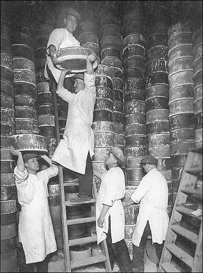 the saggars containing the ware is stacked into the bottle kiln for firing